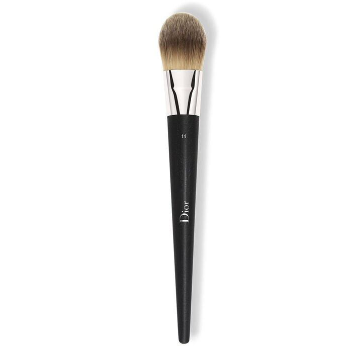 <p>Dior Fluid Foundation Brush (N°11 Light Coverage) $485</p>