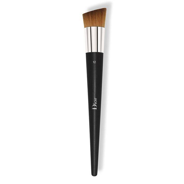 <p class='text-center ' style='text-align:center;'>Dior Fluid Foundation Brush (N°12 High Coverage) $485</p>