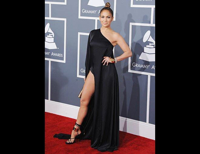 <p>Jennifer Lopez:Anthony Vaccarello 黑色單肩長裙。</p>