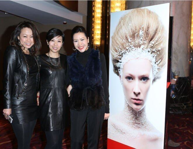 <p>Rachel Choy、Harper's BAZAAR 出版人 Ms. Amy Cheng 及 Tom Ford Beauty Sales &amp; Marketing Manager Carmen Wong。</p>
