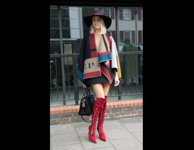 <p> WHO:Elena Perminova<br /> WEAR:Burberry 斗蓬 and Versace 高筒靴<br /> WHAT:SS FW 2015<br /> WHEN:2014 年 9 月 15 日<br />WHERE:倫敦</p><p> </p>