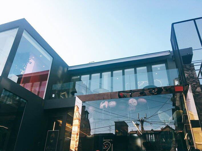 89 Mansion 店內兩層風格截然不同