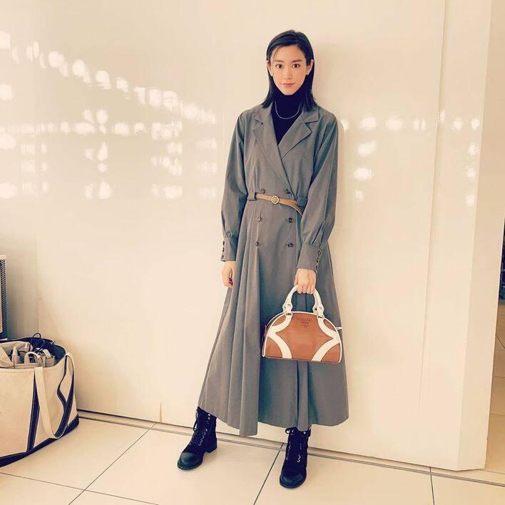憑日劇《有喜歡的人》而備受矚目的的女星桐谷美玲,身高只有 164cm,但穿著