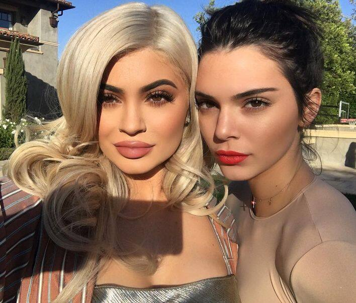 出身自Kardashian家族,Kendall 自小就於真人騷節目《Keeping up with the Kardashians》