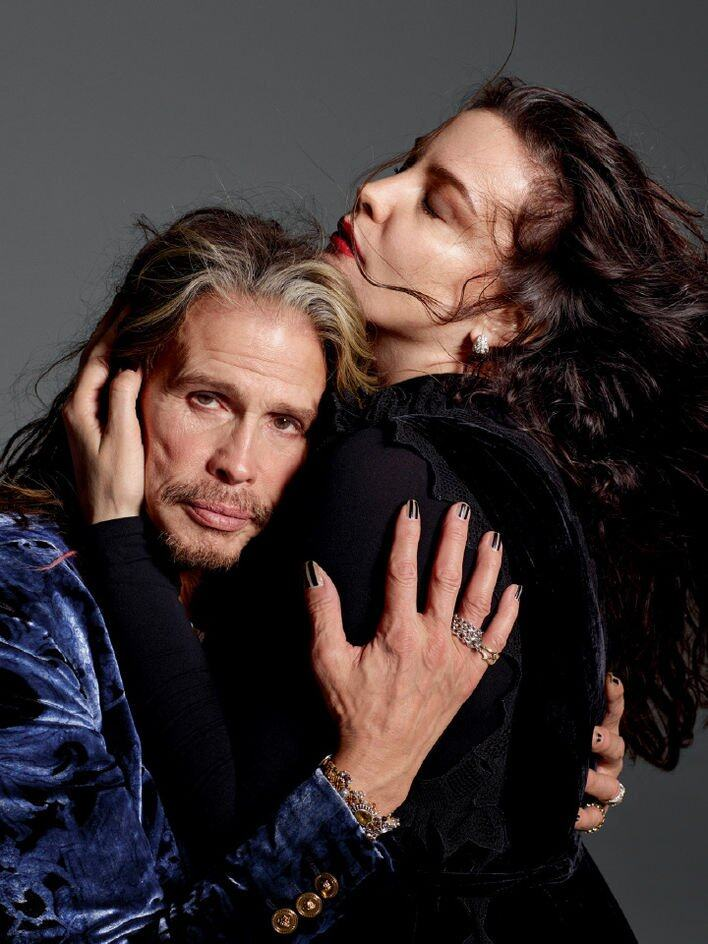 ON Steven Tyler:Versace 西裝褸;首飾(artist's own)。ON Liv Tyler:Bottega Veneta 連身;Commando 緊身連衫褲;Bulgari 耳環;Estee Lauder
