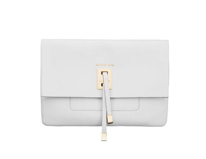<p>Michael Kors</p><p>Optic White Bonded French 長方形手袋 $6,800。</p>