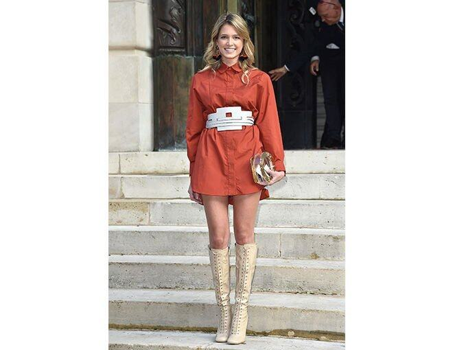 <p><a href='http://www.helenabordon.com/' target='_self'>Helena Bordon</a> 時尚網站 blogger Helena Bordon </p><p>instagram <a href='https://instagram.com/helenabordon/' target='_self'>@helenabordon</a></p><p>相關閱讀:<a href='http://harpersbazaar.com.hk/fashion/features/meet-karl-lagerfelds-fashionista-body-guard-sebastien-jondeau' target='_self'>認識 KARL LAGERFELD 的型英帥潮人保鏢 SEBASTIEN JONDEAU</a></p>