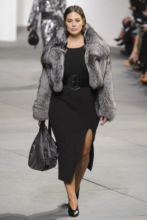 <p class='text-center ' style='text-align:center;'>Ashley Graham @ Michael Kors AW17</p>